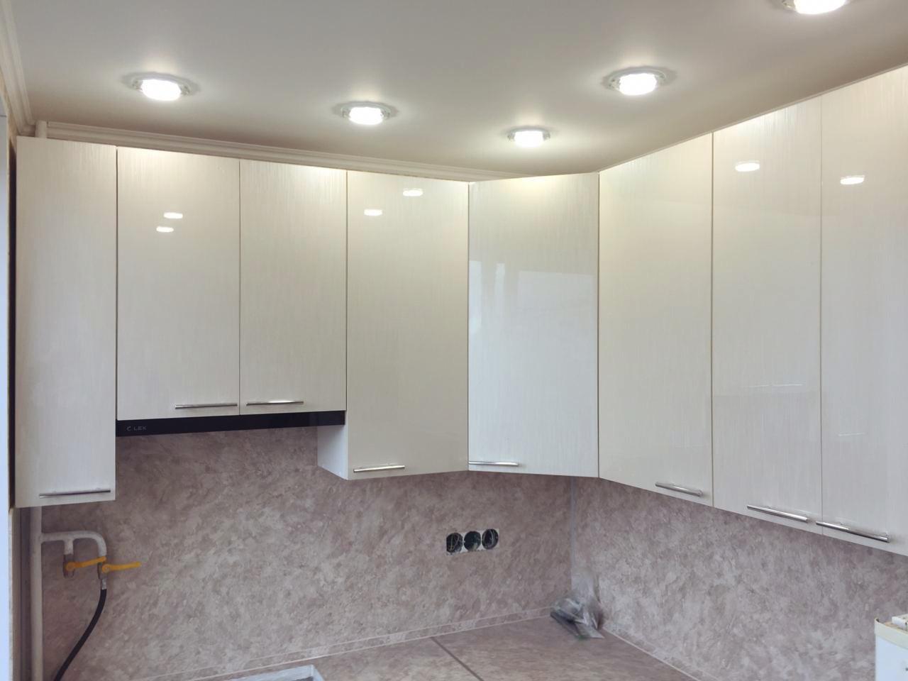 Угловой кухонный гарнитур с фасадами МДФ