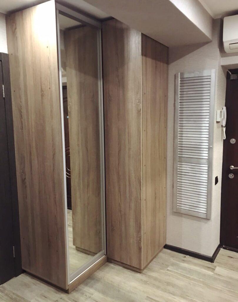 Шкаф-купе в маленькую прихожую комнату